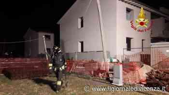Scoppia incendio in un cantiere Il rogo nel garage - Il Giornale di Vicenza