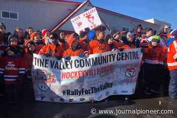 Several hundred people gather in Lower Sackville to rally for rival P.E.I. hockey team - The Journal Pioneer