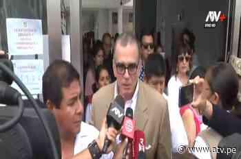 Pedro Olaechea emitió su voto en colegio Alfonso Ugarte de San Isidro - ATV.pe