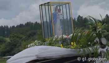 Procissão fluvial em Ibitinga reúne milhares de fiéis de Nossa Senhora dos Navegantes - G1