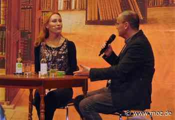 Lesung: Andrea Sawatzki begeistert mit Chaosfamilie in Rheinsberg - Märkische Onlinezeitung