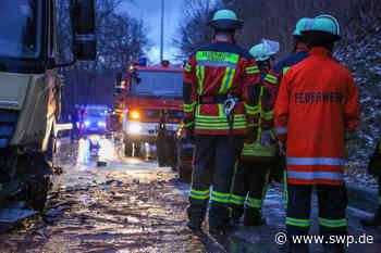 Unfall Donzdorf: Frontalcrash zwischen Auto und Lkw - SWP