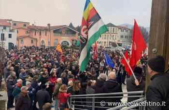 Piazza piena a Torrebelvicino contro i rigurgiti di odio e nazifascismo - GALLERY - L'Eco Vicentino
