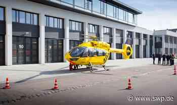 Unfall bei Westhausen: 65-Jähriger tritt vor Auto – Rettungshubschrauber im Einsatz - SWP