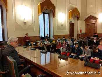 Alunni delle quinte di Castellucchio intervistano il presidente Morselli - La Voce di Mantova