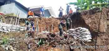 Longsor Ancam Empat Rumah Warga Salem Brebes, Pembuatan Tanggul Darurat Dilakukan - Klik Warta