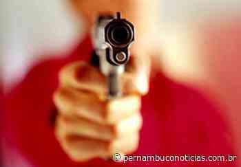 Rapaz é morto a tiros na residência dele em Itapissuma - Pernambuco Notícias