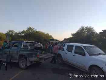Los apicultores de Villamontes bloquean la carretera internacional Nº9 hacia la Argentina - FmBolivia