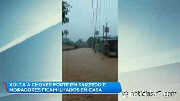 Moradores ficam ilhados dentro de casa em bairro de Sarzedo (MG) - R7