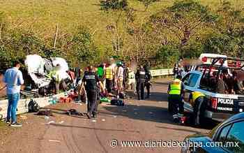 Vuelca autobús con migrantes en la San Andrés-Santiago Tuxtla; un muerto y 45 lesionados - Diario de Xalapa