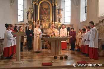 Bildergalerie: Feierliche Altar-Weihe in Wolfertschwenden mit Weihbischof Losinger - Wolfertschwenden - all-in.de - Das Allgäu Online!