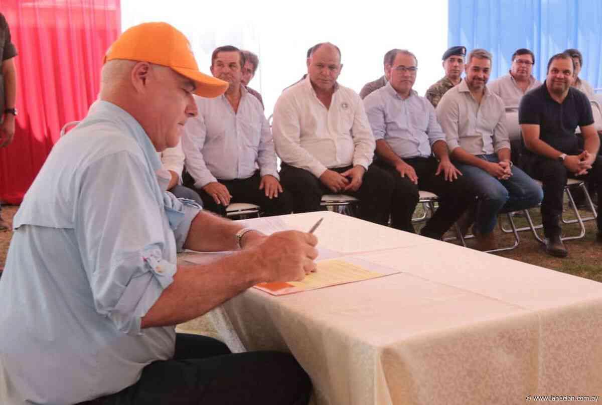 Firman contrato para importante obra vial en Arroyos y Esteros - La Nación.com.py