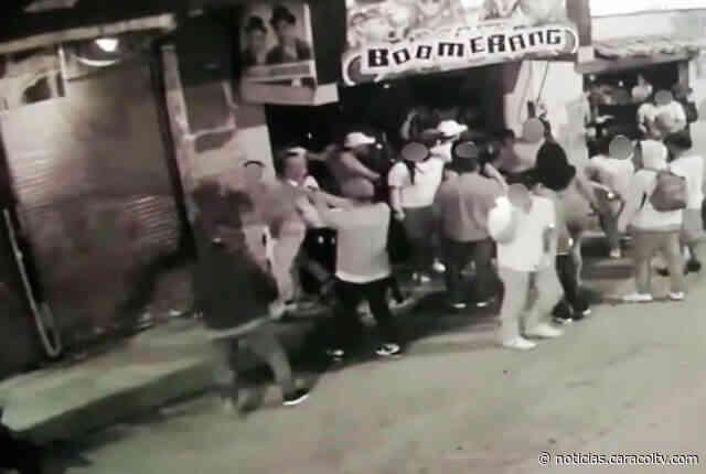 En video quedó captado doble homicidio a las afueras de un bar en Amalfi, Antioquia - Noticias Caracol