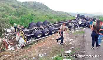 Tráiler aplasta mototaxi y mata a dos pasajeros en Bagua Grande - radio andina chota