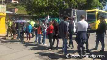 Fuertes protestas en Tenjo y Tabio por cambio en sistema de pago de buses - RCN Radio