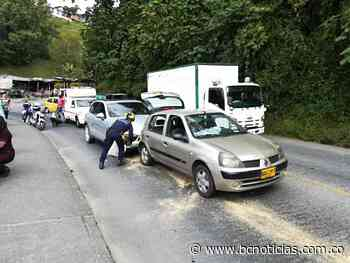 En la vía Manizales - Neira accidente de tránsito dejó dos lesionados - BC Noticias