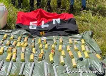 Hallan minas antipersonal y bandera del ELN en Guática Risaralda, zona límite con Caldas - W Radio