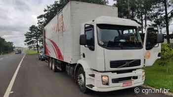PRF apreende caminhão carregado de cigarros contrabandeados em Laranjeiras do Sul - CGN