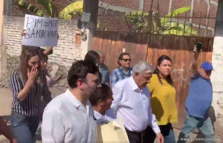 """""""¡Obrador, mentiroso y hablador!"""", gritan al presidente en Anenecuilco, Morelos (Video) - proceso.com.mx"""