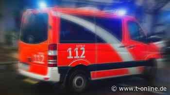 Greven in NRW: Auto kracht gegen Baum – 17-Jähriger stirbt - t-online.de