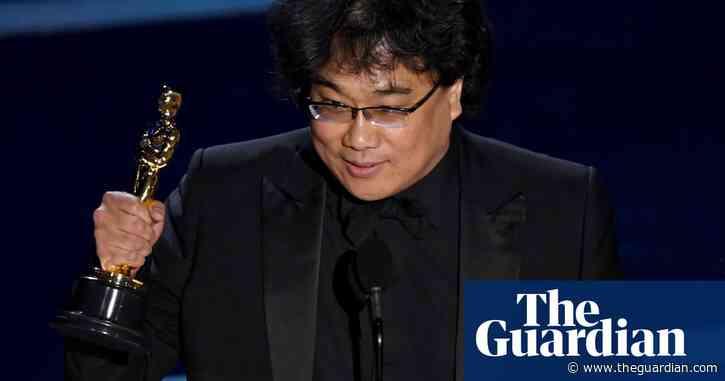 Bong Joon-ho wins the best director Oscar for Parasite