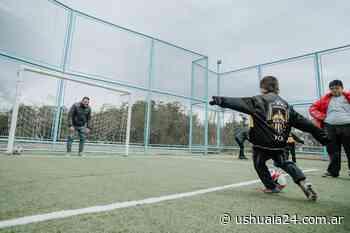 Inauguraron un playón deportivo en el barrio Malvinas - Ushuaia 24