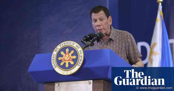Philippines moves to strip biggest media group of its franchise