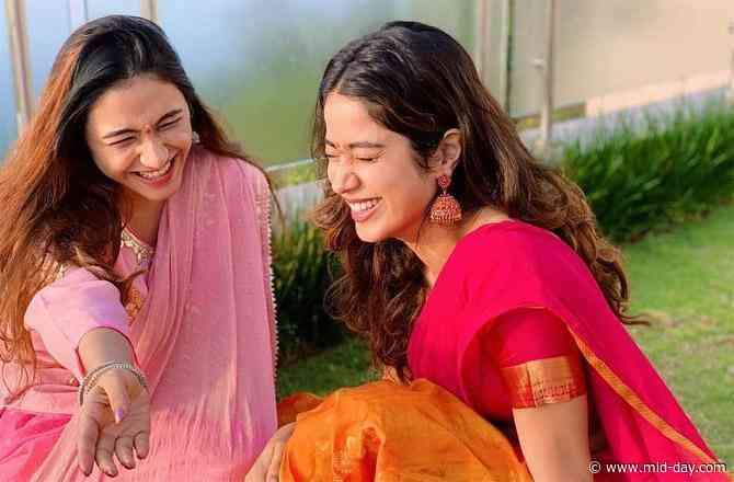 Janhvi Kapoor takes a religious trip to Tirupati; See pictures