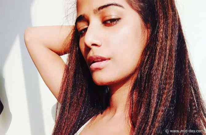 Why has Poonam Pandey filed a case against Raj Kundra?