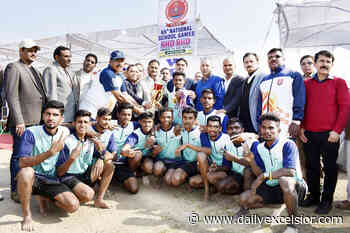 Jubilant Maharashtra players, winners of NSG U-19 Boys Kho-Kho Championship posing along with DG Sports, Dr Saleem-ur-Rehman and other dignitaries at Khel Gaon, Nagrota. - Daily Excelsior