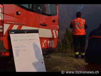 Incendio nei boschi della Val di Muggio - Ticinonews.ch