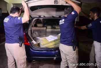 Detienen camioneta con 34 kilos de marihuana en Villeta - Nacionales - ABC Color