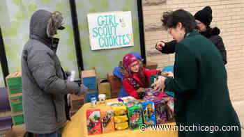Girl Scouts Set Up Stand Outside Marijuana Dispensary in Chicago