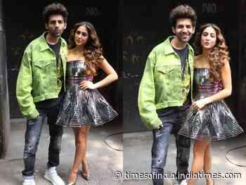 Sara-Kartik pose in style for Love Aaj Kal