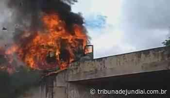 Caminhão pega fogo na Zamboto em Campo Limpo Paulista - Tribuna de Jundiaí