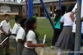 No querían volver a la escuela tras ver asesinato de profesor, pero este proyecto los hizo regresar - Noticias Caracol