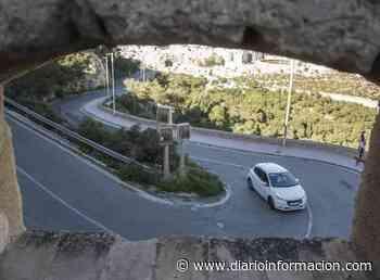 El Castillo de Santa Bárbara se cerrará al tráfico privado en verano - Información