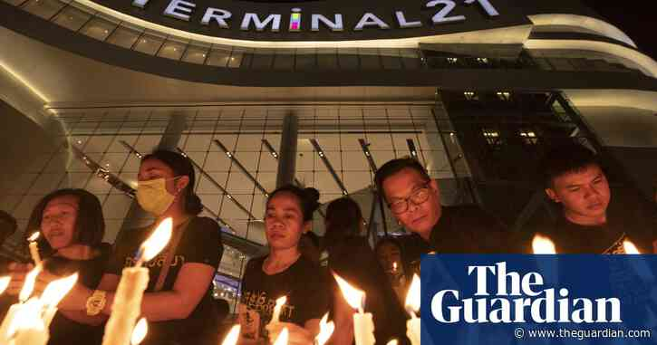 Thais mourn shooting victims as PM and media face criticism