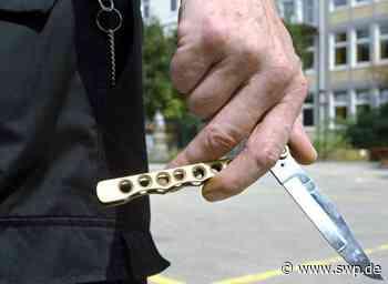 Polizei Ilshofen: 43-Jähriger sticht mit Messer auf 24-Jährigen ein - SWP
