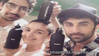 Ranbir Kapoor and Alia Bhatt avoid meeting each other while shooting in same Mumbai studio?