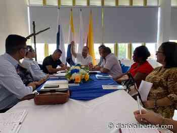 Alcalde de Galapa, José F. Vargas, atiende solicitudes de cupos escolares - Diario La Libertad