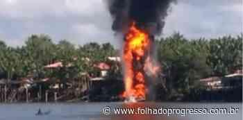 Barco pega fogo e explode em posto flutuante de combustível de Abaetetuba - Jornal Folha do Progresso