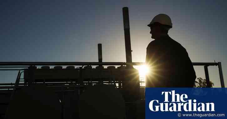 Australian iron ore, gas and lamb exports to be hit hard as coronavirus crisis continues