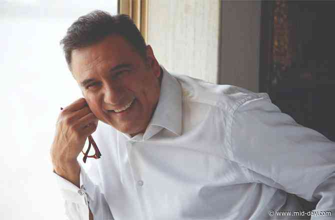 Boman Irani on Hug Day: Fans ask me for a Jaadoo Ki Jhappi over autographs and pictures