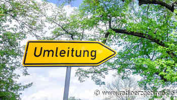 Kran sorgt für Behinderungen auf B 171 in Olbernhau - Radio Erzgebirge