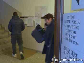 Villongo, le vaccinazioni per gli over 60 proseguono e traslocano - Corriere Bergamo - Corriere della Sera