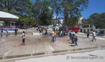 Positiva jornada de limpieza y embellecimiento del parque en Oporapa - lavozdelaregion.co