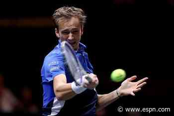 Medvedev ousted, Evans advances in Rotterdam