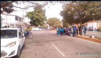 Tres detenidos deja protesta de trabajadores de la salud en Higuerote - El Pitazo