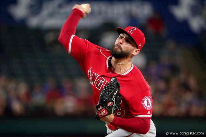 Angels' Justin Anderson goes down with oblique injury